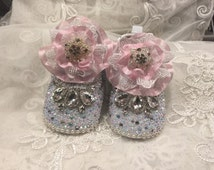 Hand Made Pearls with  Rhinestone Broch Baby Girl Dress Shoes