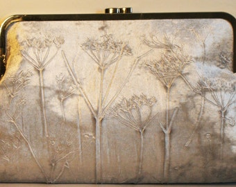 Silver Iridescent Velvet Kisslock Clutch Bag with a Cow Parsley Design
