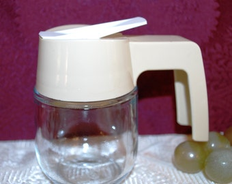 """Gemco USA 3-1/2"""" Clear Glass W/ Ivory Color Plastric Handle Syrup Pourer"""