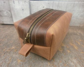 Groomsmen Dopp kit, Leather Dopp Kit, Free Personalized, Men's Toiletry Bag, Brown Cappuccino Color, Antique Effect, Grooming Bag