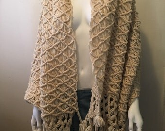 Vintage dreamy cream wool wrap shawl giant scarf hand knit with fringe tassels gorgeous! Earthy organic feeling