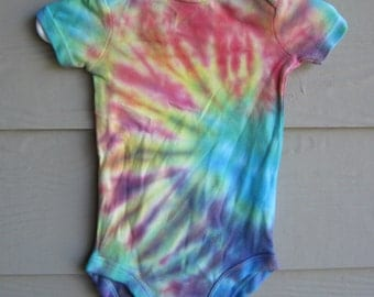 Tie Dyed Bodysuit by Carters, 3-6 mth for either boy or girl, rainbow spiral color-infant bodysuit, crawler or creeper - unisex kids top