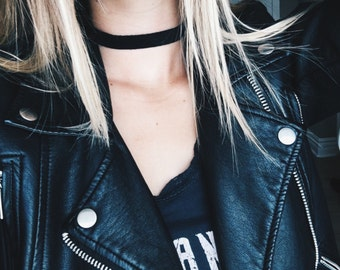 Black Thick Suede Choker