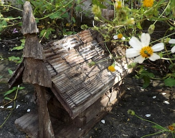 Vintage Rustic Reclaimed Wood Birdhouse With Tree