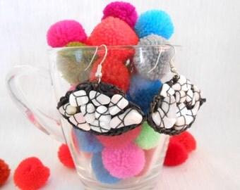 Wax crochet dangle earrings with shell white wax cord jewelry thailand handmade (JE1078)