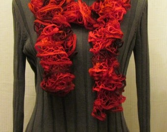 Starbella Cinnamon candy knitted ruffled scarf - red and marroon