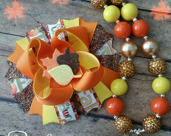 Fall chunky necklace and bow set!