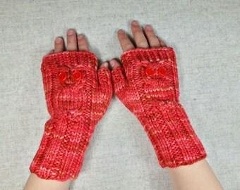 "Kids Fingerless Gloves ""Owls"" coral, handknitted mittens for children, pure wool, owl wrist warmers"