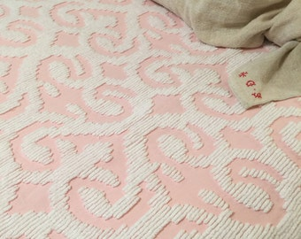 Simply Gorgeous// Huge// Ballet Pink & White// Chenille Bedspread// Cottage Charm// Wonderful Vintage Condition!