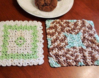 Very Vintage Green and Brown Hand Crochet Pot Holder with Trivet Pair -Linen-Cottage-Wedding-Kitchen