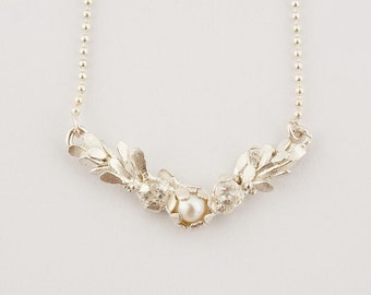 Waterlily Pearl Necklace