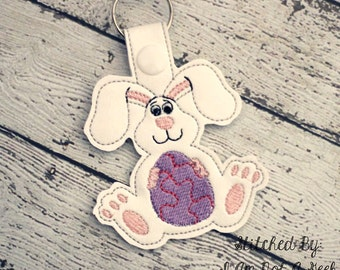 Easter Bunny - Easter Egg SNAP Key Fob In The Hoop - DIGITAL Embroidery DESIGN