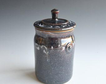 Storage Jar in stoneware
