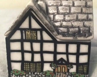 Wade Whimsey-on-Why Village Set 4- 1985 - MISS PRUNES HOUSE