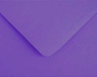 10 purple / violet / plum  C6 envelopes for cards and invitations / HALLOWEEN
