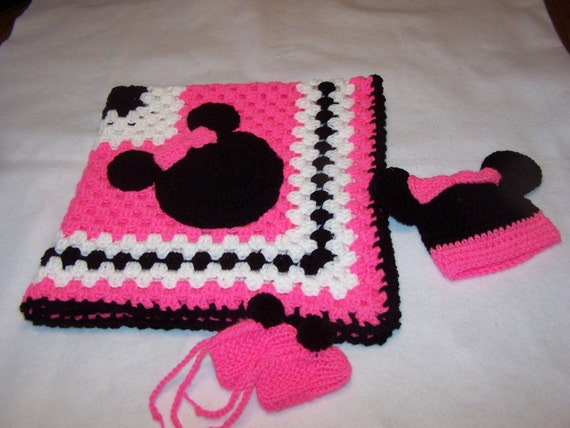 Crochet Patterns For Minnie Mouse : Hand Crocheted Minnie Mouse Granny Square Baby Blanket
