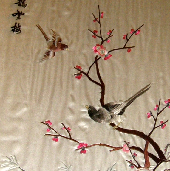Antique Chinese HAND EMBROIDERED Art Silk TAPESTRY Featuring