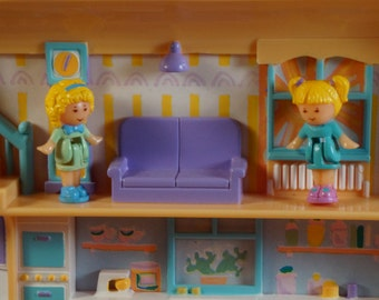 Polly Pocket - 1990 polly pretty hair playset - with original dolls and dog