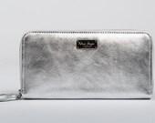 Wallet for women/ glazed silevr leather color / inside full grain leather silver / metallic /mini tasssel
