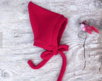 0 to 3 m Red Baby Cashmere hat, Pixie hat for baby girl/boy