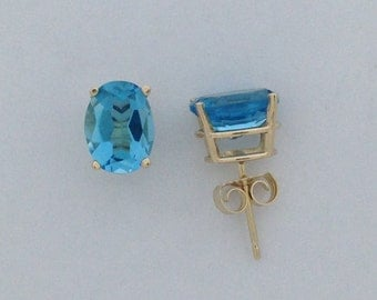Natural Blue Topaz Stud Earring 14kt Yellow Gold