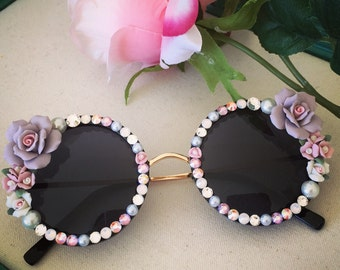 Round sunglasses with roses and crystals