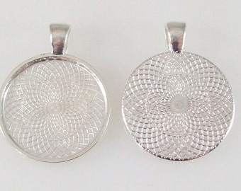 """50 Shiny Silver Pendant Trays 23mm for use with 1"""" Buttons."""