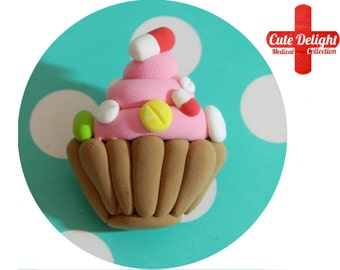Pills Cupcake Brooch, pills brooch, cupcake brooch, cupcake pin, pill brooch, pills pins, custom pills brooch, polymer clay pills,fimo pills