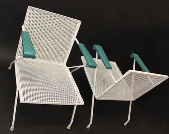 Mid Century Modern Pair of Wrought Iron Metal Patio Chairs Mategot Woodard Style