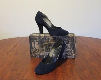 "Vintage 1940s 1950s black suede pumps shoes high heels Jolene Made in U.S.A. 2"" heel"