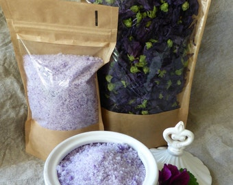 Natural colorated sugar with Malva sylvestris blossom