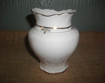 Cream Vase with Gold Rim