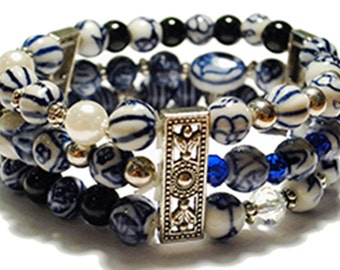 Wide stretchy bracelet