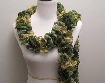 Ruffled Green Lace Scarf