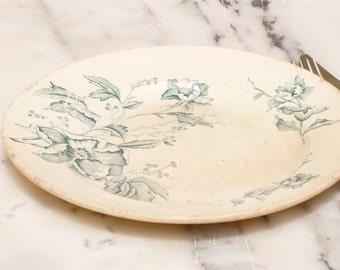 Assiette plate à décor de fleurs vertes, french antique, brocante française