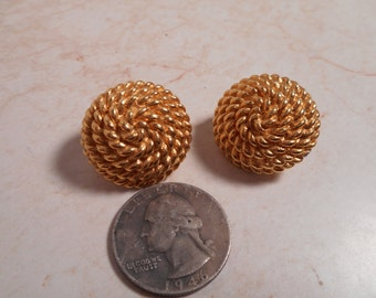 Vintage Monet Yellow Gold Toned Earrings