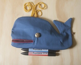Whale Moby Dick, pencil case, Kit cosmetics, handmade, saguenay, blue and Red