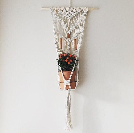 macrame wall plant hanger