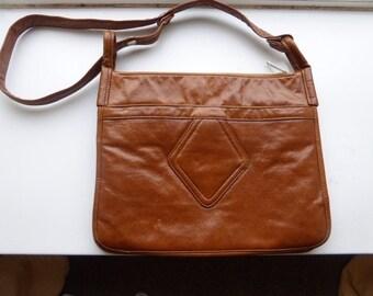 Vintage 1960's Tan PVC Shoulderbag Handbag - Lots Of Internal Pouches & Zippers!!
