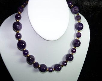 A Beautiful Amethyst Necklace and Earrings. (201539)
