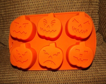 Halloween Silicone Baking Mold 6 Molds PUMPKINS