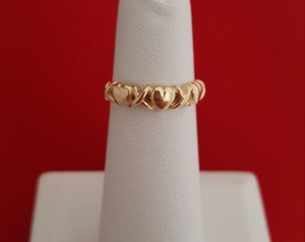 Hugs and Kisses Ring in 14k Yellow Gold - EB386