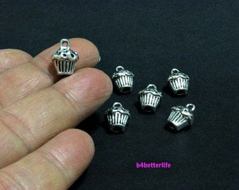 "Lot of 24pcs Double Sided Antique Silver Tone ""Cupcake"" Metal Charms. #SW389."