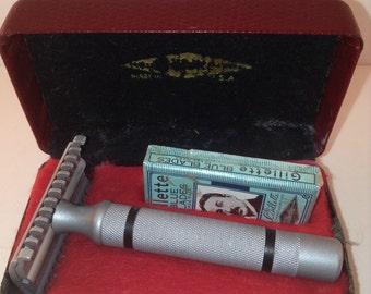 Vintage restored Gillette New Long Comb with restored case