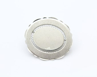 Vintage LaMode Oval Brooch With Different Textures in Sterling Silver. [8497]