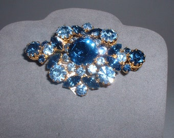 Vintage Austrian Rhinestone Blues Pin Brooch (E3)