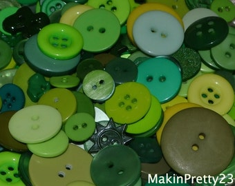 Green Buttons Mixed Bulk Choose your Quantity 50, 100 or 200, Assorted Sizes, Sewing Buttons Scrapbooking Craft