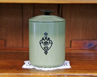 Aluminum Tea Canister ~ West Bend ~ Avocado Green ~ Made in USA ~ 1960s