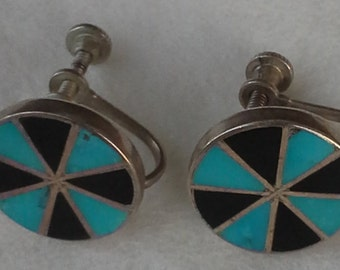 Vintage native american round screw back earrings  sterling silver, with inlay of turquoise and onyx