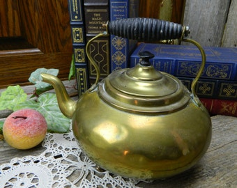 Primitive Antique 3 Footed Water Kettle